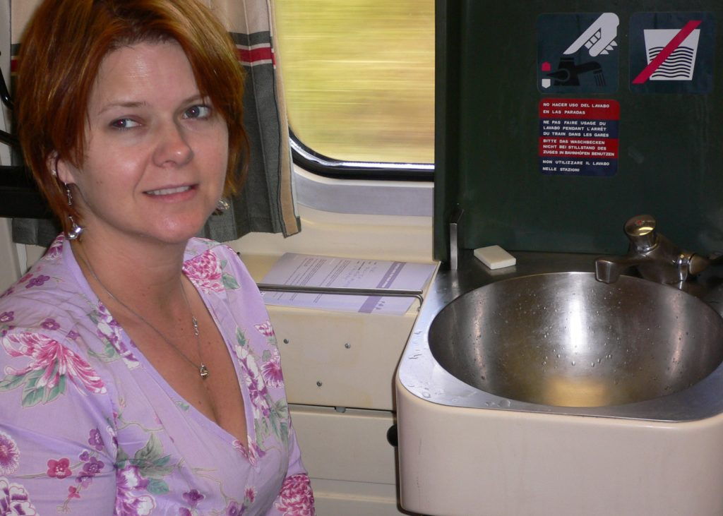 Mimis Shower on a Train