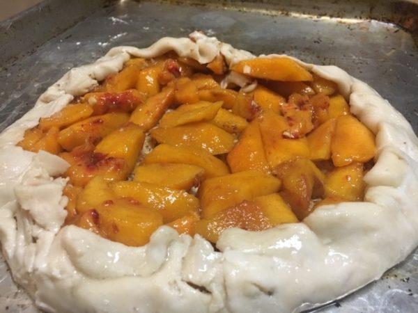 Unbaked Rustic Peach Tart www.diningwithmimi.com