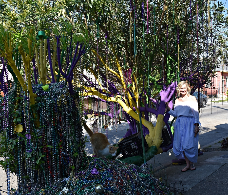 Mardi Gras Tree on First Street Need a quickie- Drop into New Orleans for 48 hours www.diningwithmimi.com