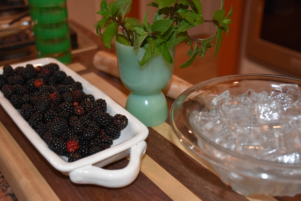Garden Berry Mint Cocktaiil for La Revue Dining With Mimi www.diningwithmimi.com